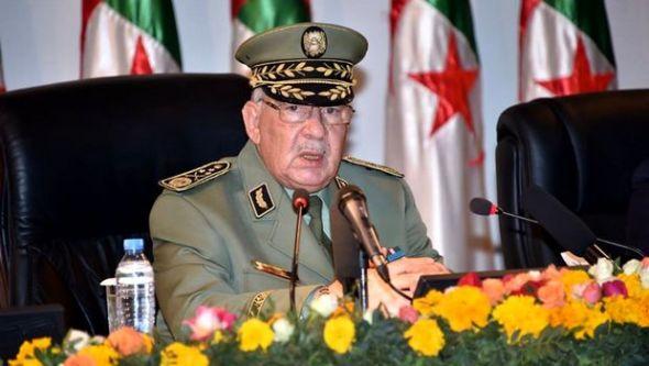 الفريق نائب وزير الدفاع احمد قايد صالح