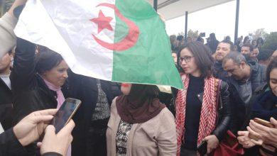 صحفيي التلفزيون والإذاعة يحتجون على التعتيم الإعلامي على حراك الشارع